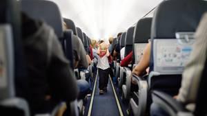 Fliegen mit Kindern muss nicht in Stress ausarten, wenn man einige Punkte vorab berücksichtigt
