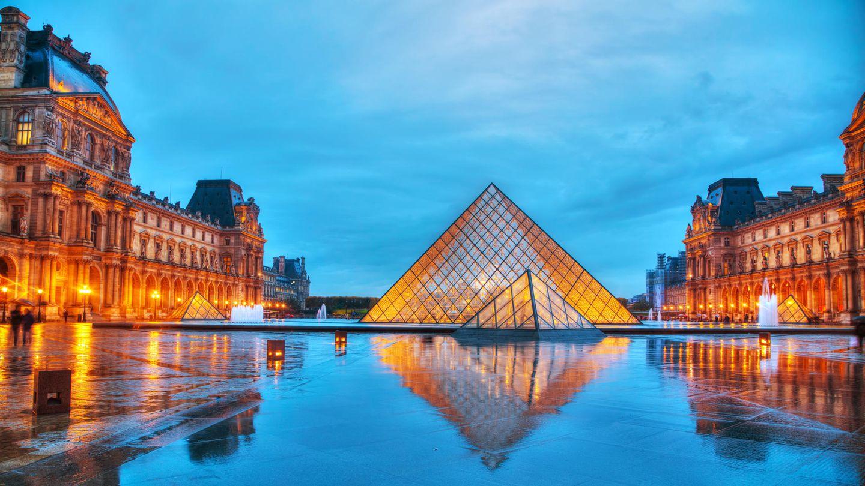 Die Pyramide vor dem Pariser Louvre