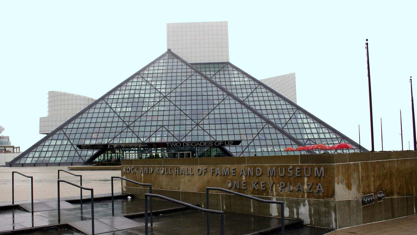 dDe Rock and Roll Hall of Fame in Ohio