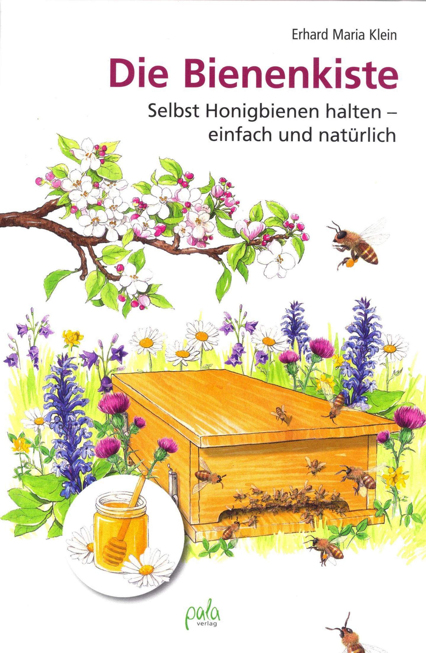 Die Bienenkiste  Von Erhard M. Klein  Wer aktiv gegen das Bienensterben und für die Natur etwas tun möchte, kann sich eine sogenannte Bienenkiste in den Garten stellen und selbst in die Imkerei einsteigen. Im Gegensatz zu den weithin üblichen Bienenstöcken der professionellen Imker, bauen die Bienen in diesen Kisten so, wie sie es auch in der Natur tun würden. Für die Honiggewinnung sind diese Beutendaher weniger geeignet, weildie Bienen ihre Brutoft zwischen die Honigwaben legen. Die Kiste,die Imker-Grundausrüstung und natürlich das Volk samt Königin sind eine Investition von ein paar hundert Euro.Vom Zeitaufwand ganz zu schweigen. Wer sich für die Bienenkiste interessiert, sich aber noch nicht sicher ist, sollte zunächst einen Blick in dieses Buch werfen. Der zweite Schritt wäre dann ein Imker-Seminar oder die Mitgliedschaft in einem Verein wie die Stadtbienen. Keine Bange: Selbst wenn die Kiste neben Ihrer Terrasse oder auf dem Balkon steht, werden sie von den fleißigen Insekten nicht behelligt. Die haben Futterquellen, die verlockender sind als ein Marmeladenbrot.