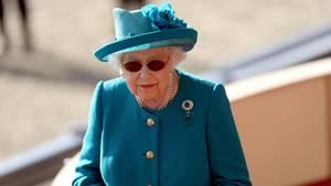 Queen Elizabeth Social Media