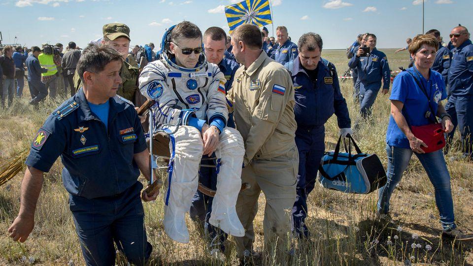 Kosmonaut Juri Malentschenko zurück auf der Erde