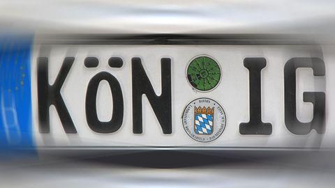 """Autokennzeichen mit dem Schriftzug """"König"""" ausBad Königshofen"""