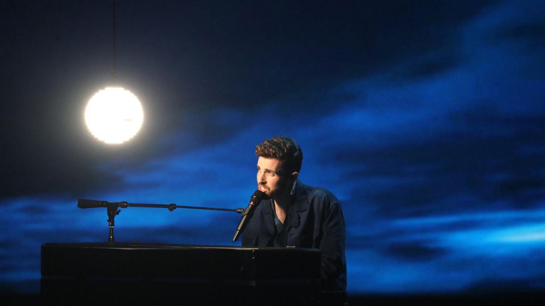 Duncan Laurence aus den Niederlanden tritt im Finale des Eurovision Song Contests (ESC) 2019 auf.