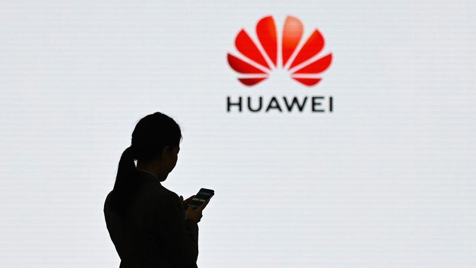 Google entzieht dem chinesischen Smartphone-Hersteller Huawei ab sofort die Android-Lizenz.