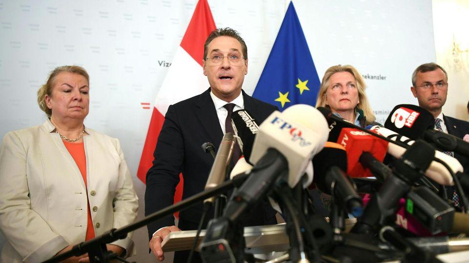 Heinz-Christian Strache bei der Pressekonferenz zu seinem Rücktritt