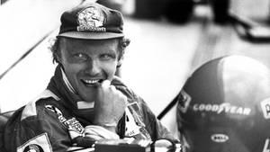Niki Lauda 1977 während des Vortrainigs auf dem Hockenheimring für den Großen Preis von Deutschland.