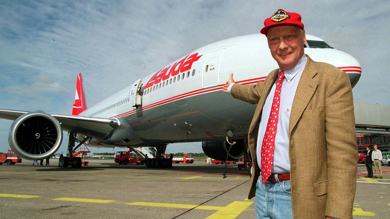 """1997 stellte Lauda eine zweistrahlige Boeing 777-200 als neuen Teil seiner Flotte für """"Lauda Air"""" vor."""