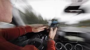 nachrichten deutschland - freispruch für telefonierenden autofahrer