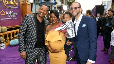 Will Smith, Tatyana Ali, ihr Sohn Edward Aszard Rasberry (2 Jahre) und ihr Mann Dr. Vaughn Rasberry posieren zusammen