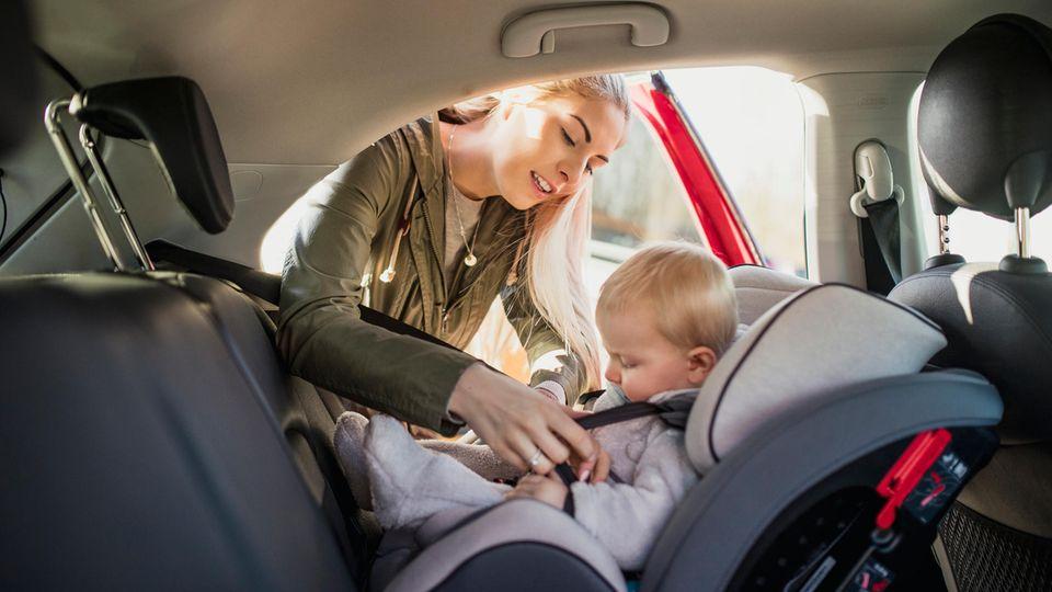 Laien können gute Kindersitze nicht von unsicheren Modellen unterscheiden.