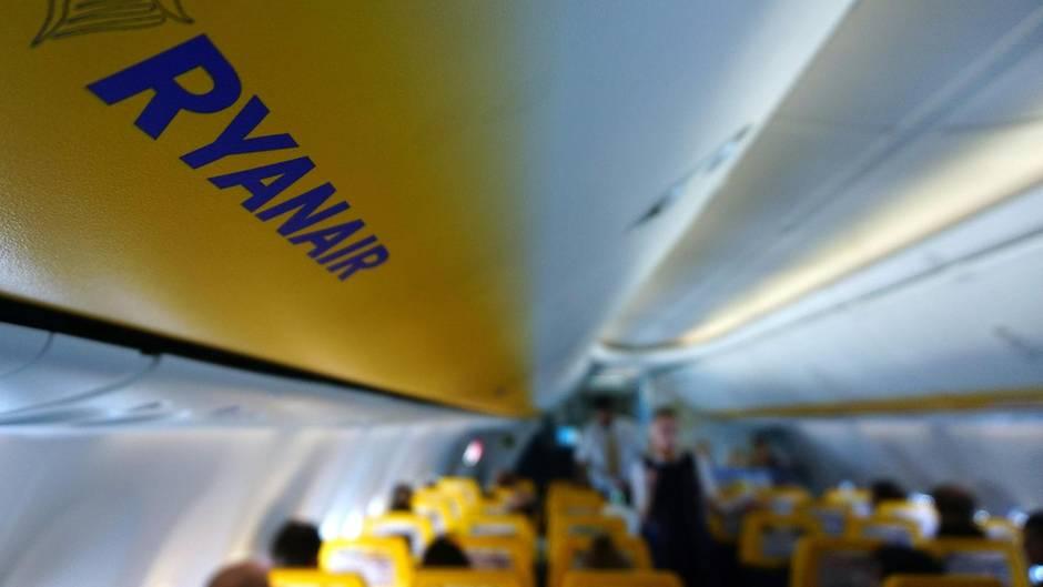 In der Kabine des Billigfliegers Ryanair
