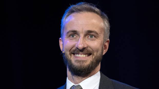 "Jan Böhmermann veröffentlicht ein Musikvideo mit dem Motto ""Do They Know It's Europe"""