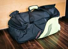 Die Sporttasche, die ihr Sohn zu Hause abgestellt haben muss, ehe er verschwand