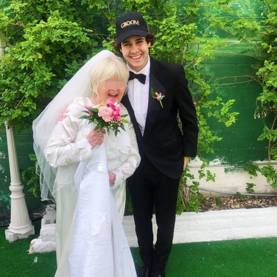 """""""True love always wins"""": Youtuber heiratet die Mutter seines besten Freundes – um sich an ihm zu rächen"""