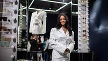 Rihana präsentiert ihre eigene Modelinie in Paris