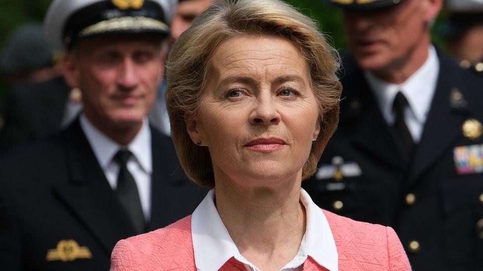 Ein Untersuchungsausschuss versucht derzeit zuergründen, wie es im Verteidigungsministerium unter Ursula von der Leyen zu einer Reihe von Beratungsaufträgen im Gesamtwert von Dutzenden Millionen Euro kam