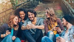 Stiftung Warentest nahm 21 aktuelle Smartphones unter die Lupe