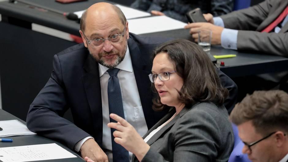Martin Schulz und Andrea Nahles bei einerGeneraldebatte im Deutschen Bundestag