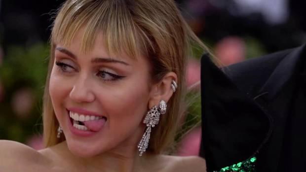 Miley Cyrus verliert Gepäck und postet Foto mit restlicher Wäsche