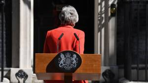 Theresa May nach ihrem Statement am Freitag in der Downing Street