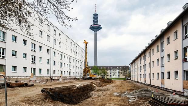 Im Frankfurter Platenviertel bekommen Wohnblöcke zwei Zusatzetagen
