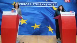 SPD-Spitzenkandidatin Katarina Barley und Parteichefin Andrea Nahles nach der Europwahl 2019