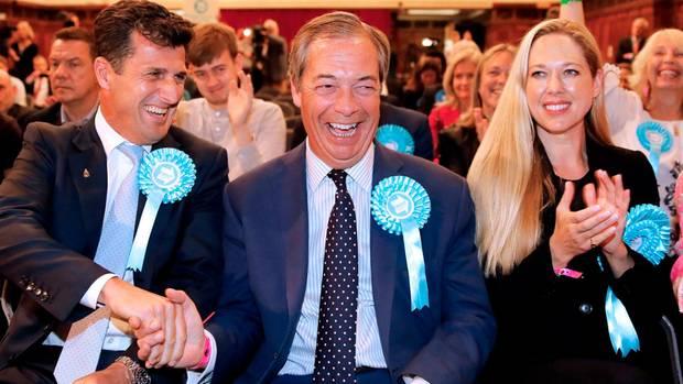 EU-Wahl - Nigel Farage und Brexit-Partei siegen in Großbritannien deutlich