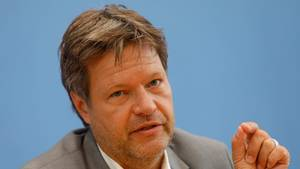 Europawahl - Habeck will nicht über Kanzlerkandidatur reden