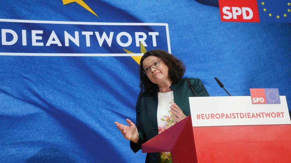 SPD-Vorsitzende Andrea Nahles nach ihrem Statement im Willy-Brandt-Haus