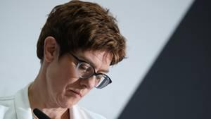 Kommunikations-Gau: Annegret Kramp-Karrenbauer hat sich mit ihrer Äußerung zum Video von Youtuber Rezo erneut in die Nesseln gesetzt
