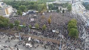 """Tausende Besucher strömen auf das """"Wir-sind-mehr""""-Konzert in Chemnitz"""