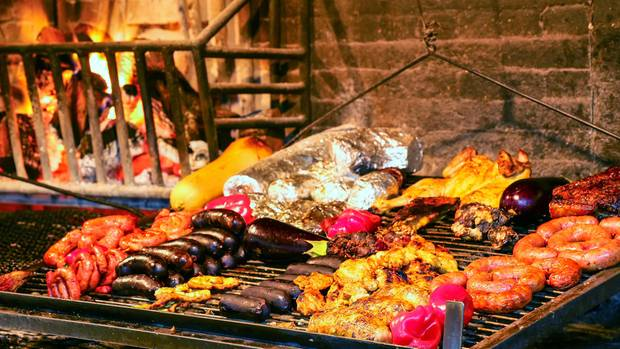 Grillkunst:Fleisch in Hafenmarkt vonMontevideo