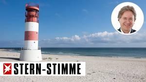Leuchtturmauf der Helgoländer Düne, die Nordseeinsel war dieHeimat von James Krüss