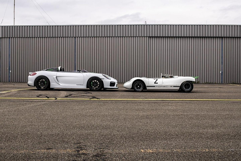 Der Porsche 909 Bergspyder (rechts) und Porsche 981 Bergsypder