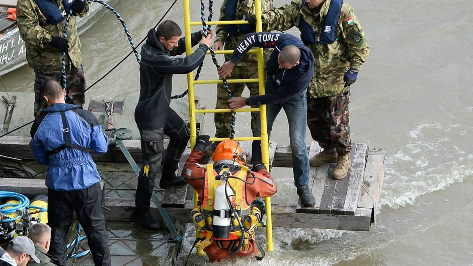 Tödliches Schiffsunglück: 21 Menschen werden vermisst – Angehörige reisen nach Ungarn