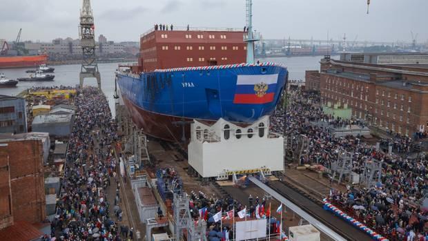 """Stapellauf der """"Ural"""": Kein anderes Land der Welt baut so eine Flotte von Eisbrechern auf wie Russland"""