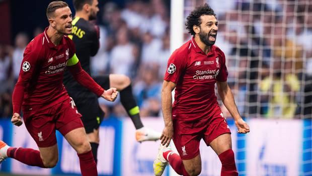 Mohamed Salah feiert sein Blitz-Elfmetertor gegen Tottenham Hotspur