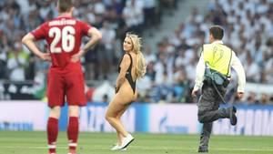 Flitzerin Kinsey Wolanski beim Champions-League-Finale