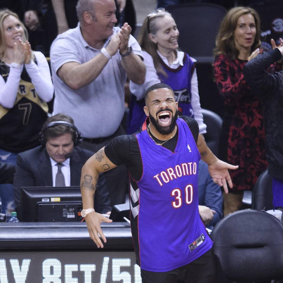 NBA-Finals: Hampelmann am Spielfeldrand: So hart nervt Drake als Basketball-Fan