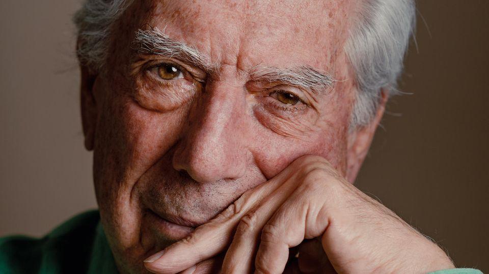 """Zu Mario Vargas Llosas bekanntesten Werken gehört """"Das grüne Haus"""" oder """"Tante Julia und der Kunstschreiber""""; 2010 erhielt er den Literaturnobelpreis"""