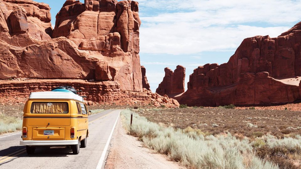 Auf Roadtrips kannst du Land undNatur hautnah erleben