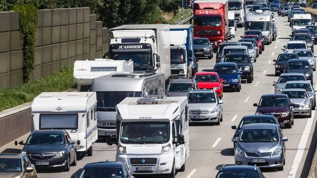 Stauprognose Pfingsten ADAC fürchtet volle Autobahnen