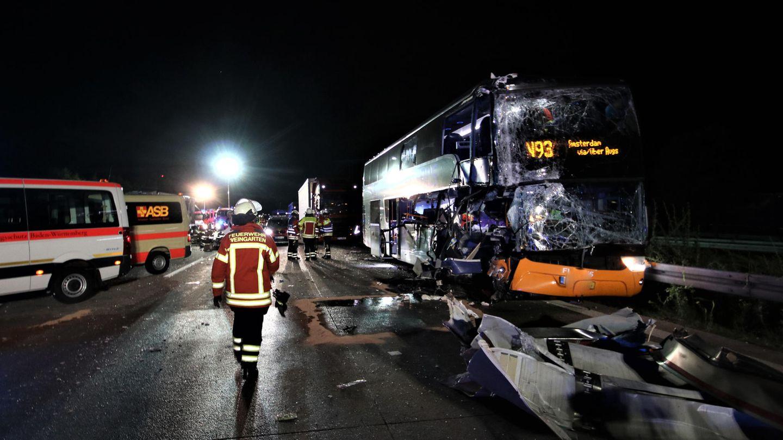 Bei dem Unfall auf der A5 bei Weingarten trifft den Fahrer des Reisebusses nach ersten Erkenntnissen der Polizei keine Schuld
