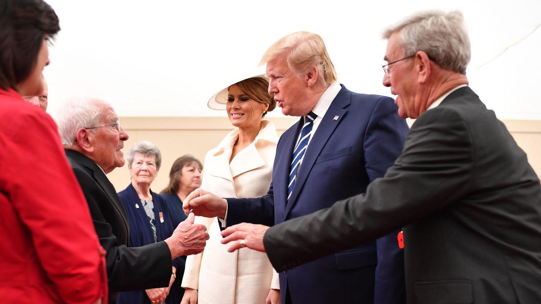 Der englische Veteran Thomas Cuthbert, 93, traf auf Melania und Donald Trump