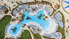 Hauptanziehungspunkt ist die Oasis Lagoon, der angeblich größte Süßwasserpool der Karibik - und mit Unterwasser-Soundsystem ausgestattet.