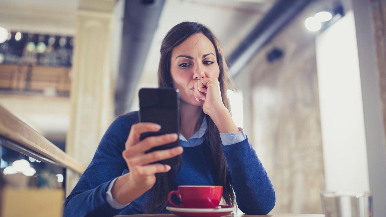 Wenn das Smartphone sich merkwürdig verhält, kann ein Schädling dahinterstecken (Symbolbild)