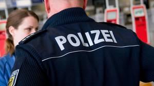 Polizei am Flughafen