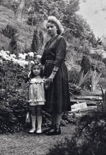 Eines der wenigen Bilder, die Eleonore zusammen mit ihrer Mutter zeigen