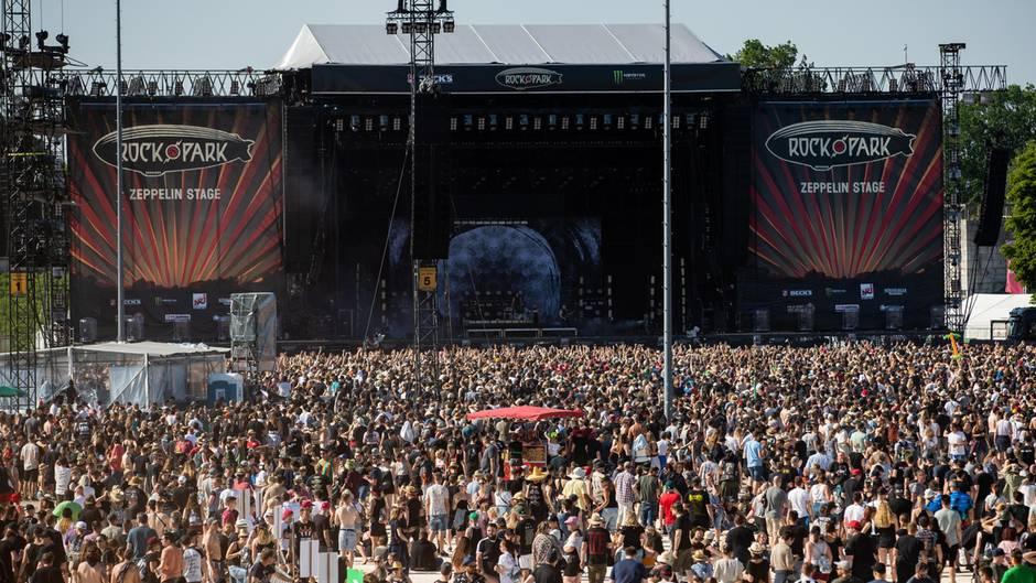 Zahlreiche Besucher des Open-Air-Festivals